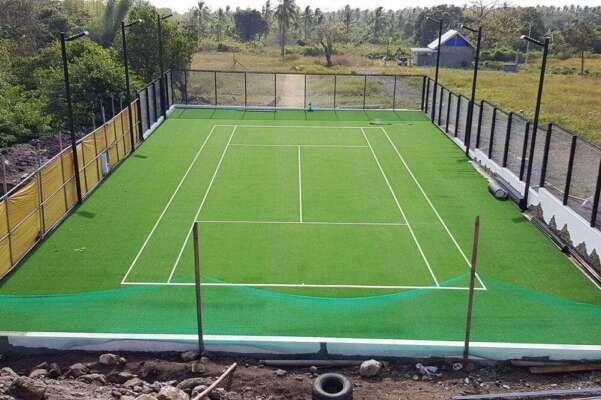 gia thi cong san tennis