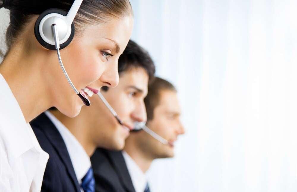 Thái độ nhân viên có ảnh hưởng rất lớn đối với trải nghiệm của khách hàng tại sân cỏ nhân tạo